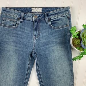 Free People Jeans - 🌵Free People High Waisted Jeans Raw Split Hem 27
